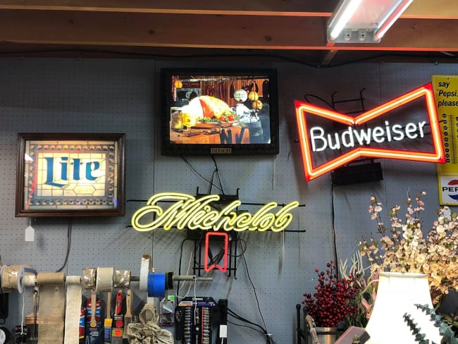 3 Areas to Display your Vintage Neon Signs